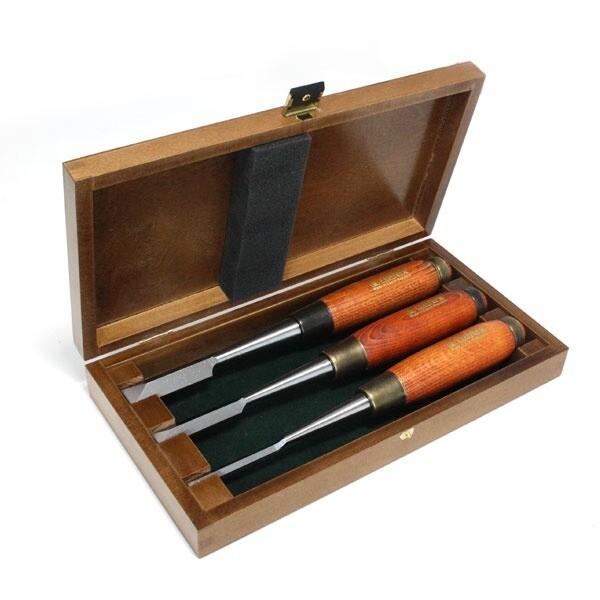 Sinkstämjärn ( Dovetail Chisel) Premium Set